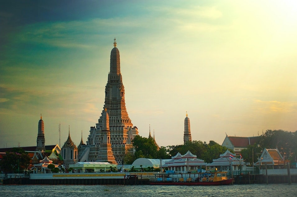 Visit Wat Arun Temple things to do in Bangkok