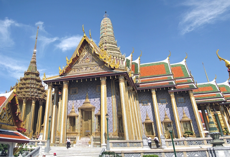 Visit in Grand palace things to do in Bangkok in 3 days