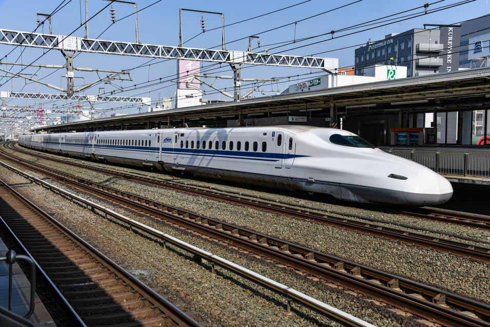Shinkansen bullet trains are part of a new generation of Japanese high-speed train things to do in Japan